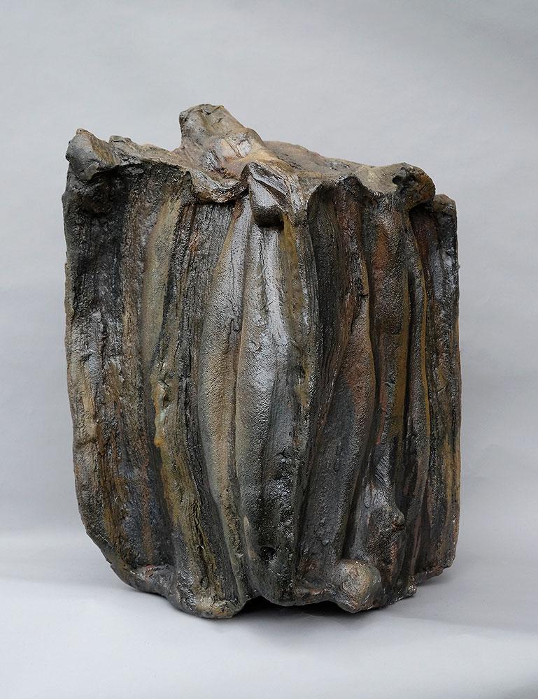 Alain Gaudebert, pièce céramique - Cuisson four à bois, cuisson du 30 novembre au four à bois. Atelier Gaudebert, Saint-Aubin Château Neuf. Photo © Philippe CIbille