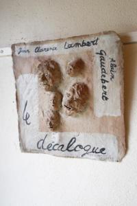 Terres écrites, poésies écrites sur les feuilles de terre d'Alain Gaudebert